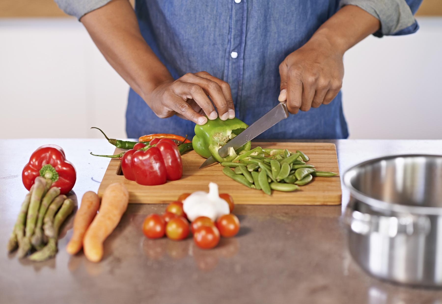 man-chopping-veggies